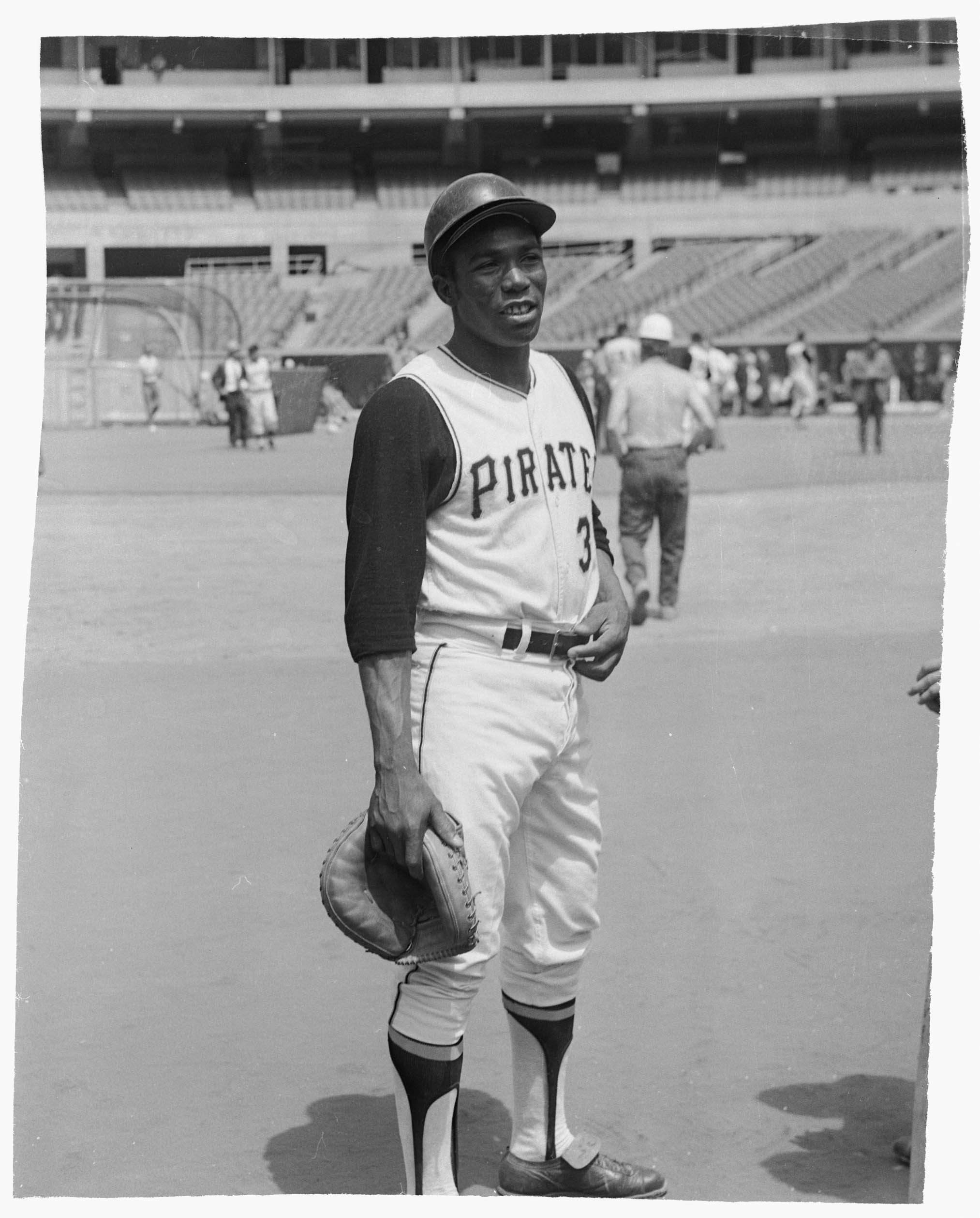 Pittsburgh Pirates baseball player Manny Sanguillen with catcher's mitt,  posing at Three Rivers Stadium | CMOA Collection