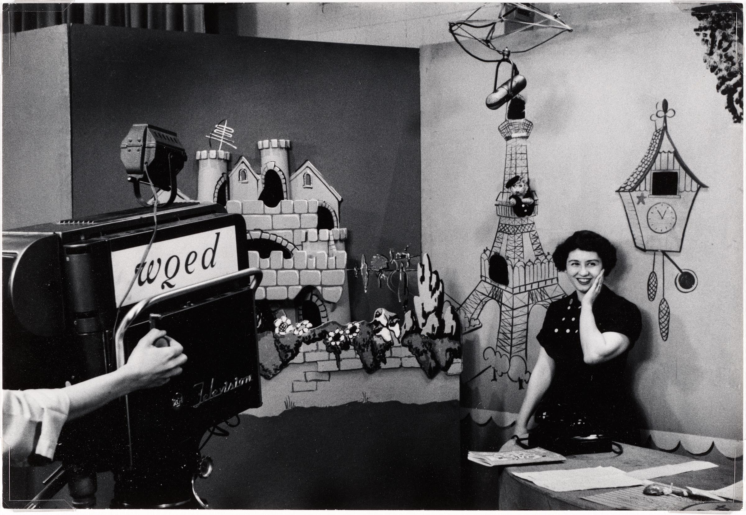 Singing Host Josie Carey On The Set Of Wqed Tv S The Children S Corner The First Show To Feature Fred Rogers Mr Rogers And His Puppets Cmoa Collection